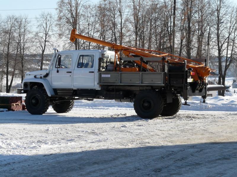 Фото №1:Бурильно-крановая машина БКМ-318-01